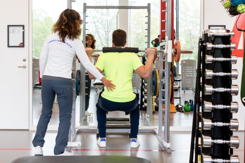 idrottskliniken rehab solna personal som arbetar
