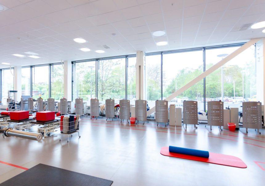idrottskliniken rehab solna lokal och träningsmaskiner